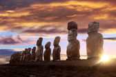 Standing moai in Easter Island at sunrise — Stock Photo