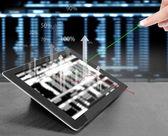 Beröring skärm tavlan med grafen — Stockfoto