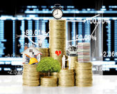 Gold coins and graph them — Stock Photo