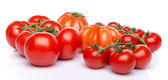 Cluster and beefsteak tomatoes — Stockfoto