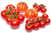 Cluster and beefsteak tomatoes — Foto de Stock