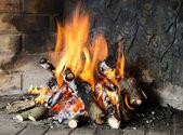 Bir şömine ateş — Stok fotoğraf