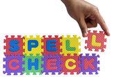 Puzzle lettere dell'alfabeto e mano isolato — Foto Stock