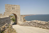 The gate of the medieval fortress on cape Kaliakra, Bulgaria. — Stockfoto