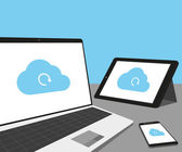 Notebook, tablet pc a smartphone s cloud synchronizace — Stock vektor