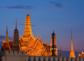 Wat Phra Kaew, Grand Palace of Thailand in twilight — ストック写真