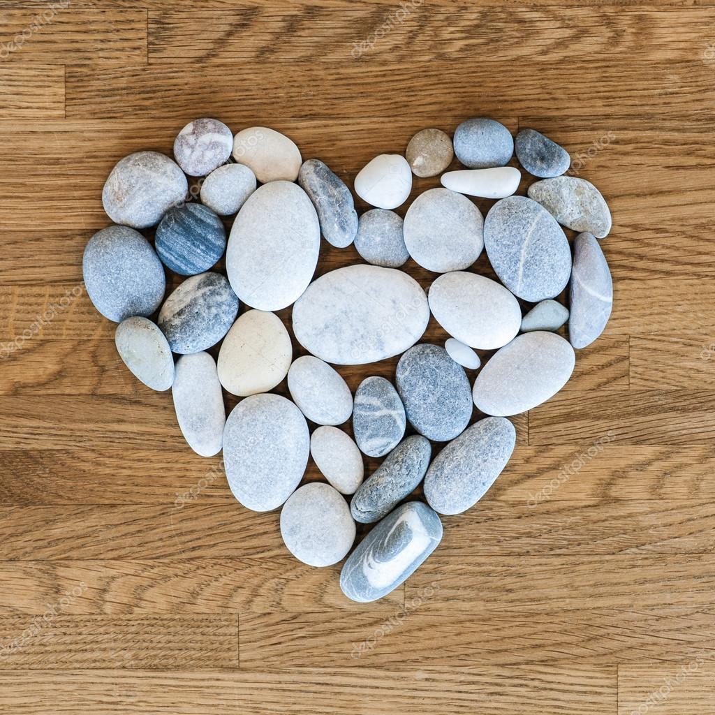 herz aus steinen stockfoto 41230789. Black Bedroom Furniture Sets. Home Design Ideas
