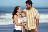 Aile plajı — Stok fotoğraf