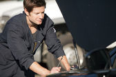 Mechanik, oprava aut — Stock fotografie