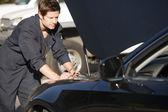 Mecánico de fijación auto — Foto de Stock