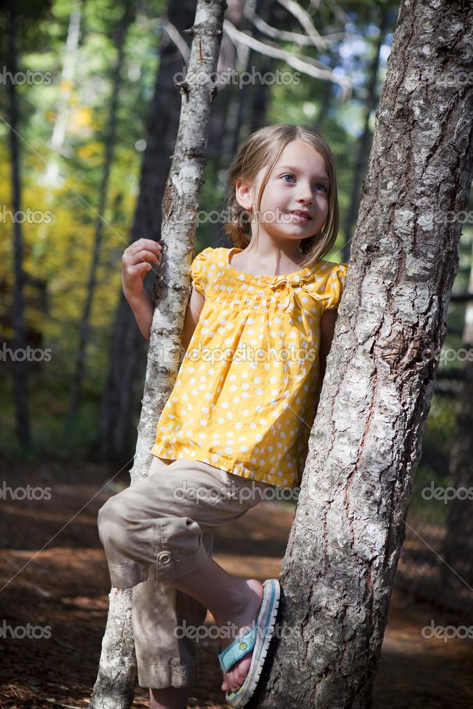 可爱的小女孩以外的肖像— 照片作者 phase4studios