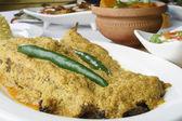 Doi ilish - Hilsa or Ilish Mach is a popular fish dish from east — Stock Photo