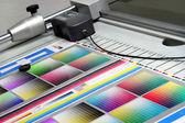 Print run at table — Stock Photo