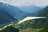 Hang gliding in Slovenia — Stock Photo
