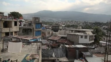 Wide panning shot over Port au Prince, Haiti. — Video Stock
