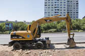 Excavator, work to expand the road in Pyatigorsk, Russia — Stock Photo