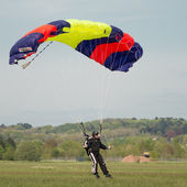 Free fall parachutist — Stock Photo