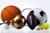 一連のスポーツ装置のボール、エルロン — ストック写真