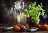 Zeytinyağı ile sürahi — Stok fotoğraf