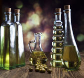 Oil and olives — Stock Photo