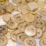 Gold Coins & Shamrocks — Stock Photo