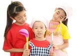 Smiling Asian girls — Stock Photo