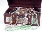Chest of jewelry — Stock Photo