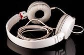 Auriculares blancos — Foto de Stock