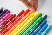 Färg penna på vit bakgrund — Stockfoto