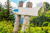 Mountain signpost — Stock Photo