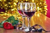 Romantickou večeři s vínem brýle — Stock fotografie