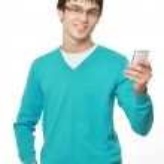 ung kille med en mobiltelefon — Stockfoto #41148891