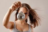 девушка с диско-шар — Стоковое фото