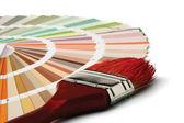特写镜头的颜色调色板和画笔 — 图库照片