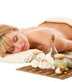 Donna di relax in un centro benessere — Foto Stock