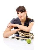 Ein junger College-Mädchen studieren. — Stockfoto
