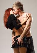 Heterosexual de la pareja en topless con jeans — Foto de Stock