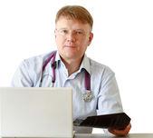Arts man met stethoscoop — Stockfoto