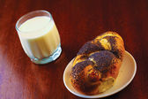 Glass of milk and buns — Stock Photo