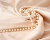 Silk and pearl — Stockfoto