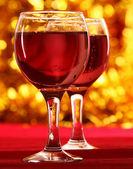 Due bicchieri di vino rosso — Foto Stock