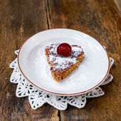 Baked heart dessert — Stock Photo