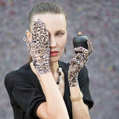 Fashion woman with perfume — Stock Photo