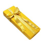 Gold gift box — Stock Photo
