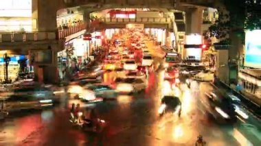 Bangkok downtown traffic jam, time lapse at dusk — Stock Video