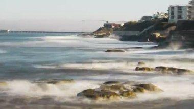 Strand en vastlopen golven — Stockvideo