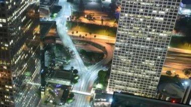 город от здания сверху — Стоковое видео