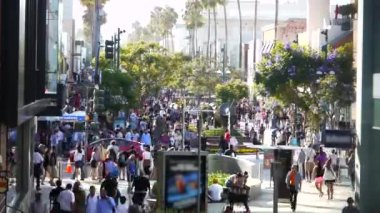 Crowded Santa Monica — Stock Video