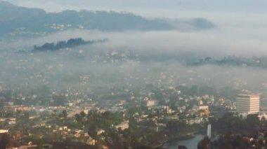 Miasto mglisty krajobraz w los angeles — Wideo stockowe