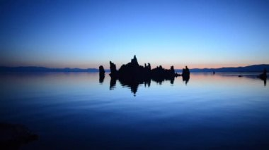 Mono Lake Dawn Reflection -Real Time — Stock Video